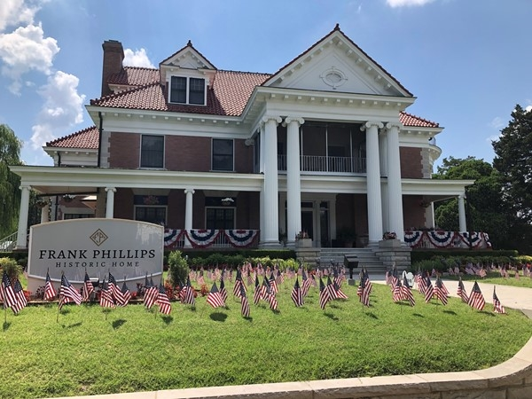 Historic home of Frank Phillips decorated for Independence Day