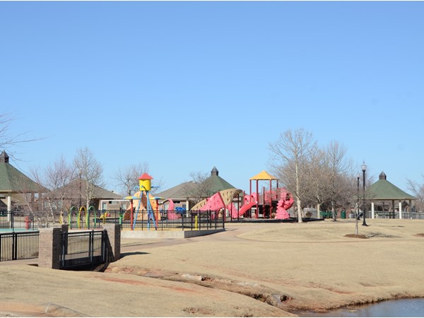 Valencia playground and gazebos