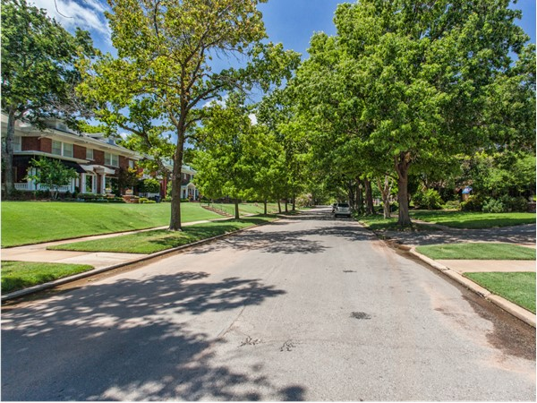 Historic Heritage Hills is only blocks away from the attractions of Midtown, Bricktown, and Downtown