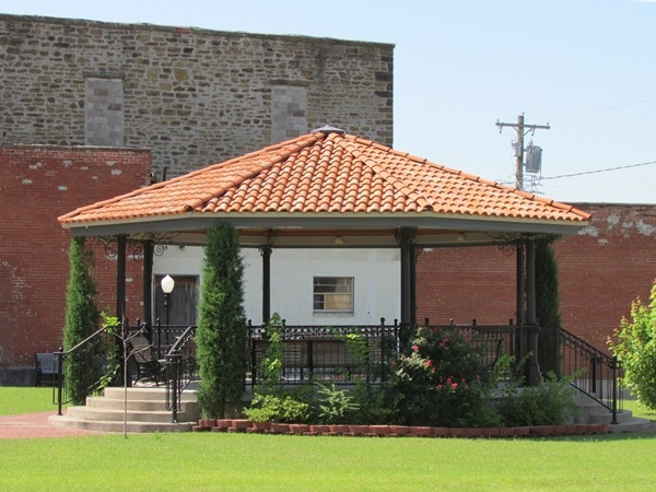 Relaxing gazebo in Downtown Fort Gibson