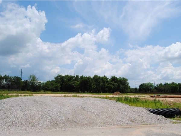 These spacious lots are going fast, don't delay, check out Vintage Oaks today